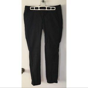 AE black stretch skinny pants